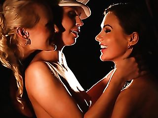 Three Gorgeous Buxom Lesbos Are Blessed To Work On Soaking Cootchies