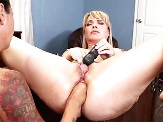 Lezzie Therapist Ass Fucking Playthings Patient