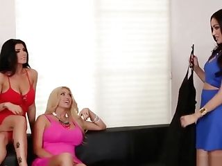 Big Tit Sapphic Stunners Love Each Other In A Threesome