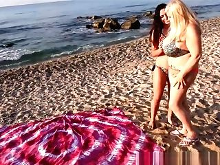 Secret Lezzie Meeting On The Beach With Linda Del Sol