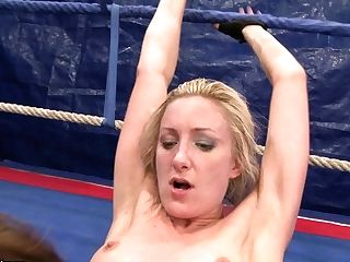 Sweaty Naked Honies Eating Each Other On The Fighting Ring