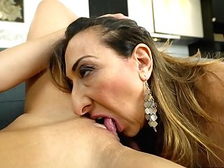 Hairy Matures Lezzy Gets Gobbled By Kitana Lure